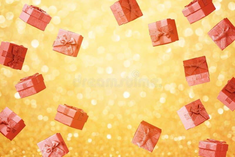 Concept de Noël et de vente de vacances d'hiver avec des boîte-cadeau image libre de droits