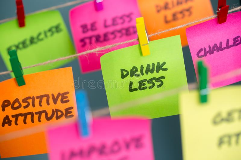 concept de notes pour la motivation pour l'arrêt boissons adoucies ou alcoolisées potables photo stock