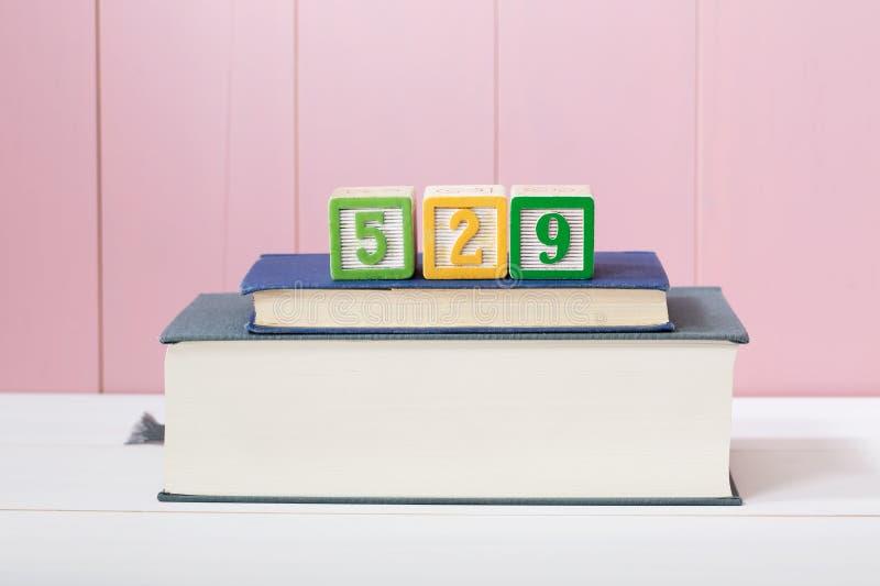 concept de plan des 529 épargnes d'université photos libres de droits
