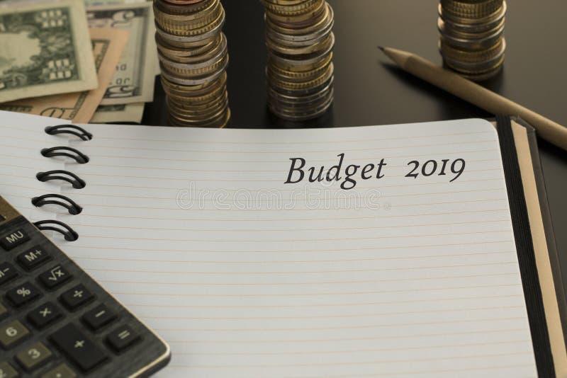 Concept de planification de budget Bloc-notes avec le texte du budget 2019 photos libres de droits