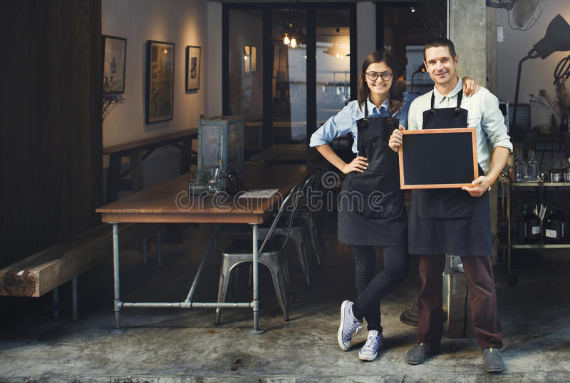Concept de restaurant de Coffee Shop Service de barman de couples images libres de droits