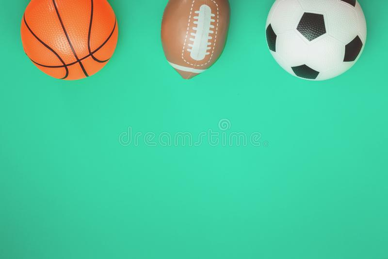 Concept de rugby et de basket-ball du football avec des boules image stock