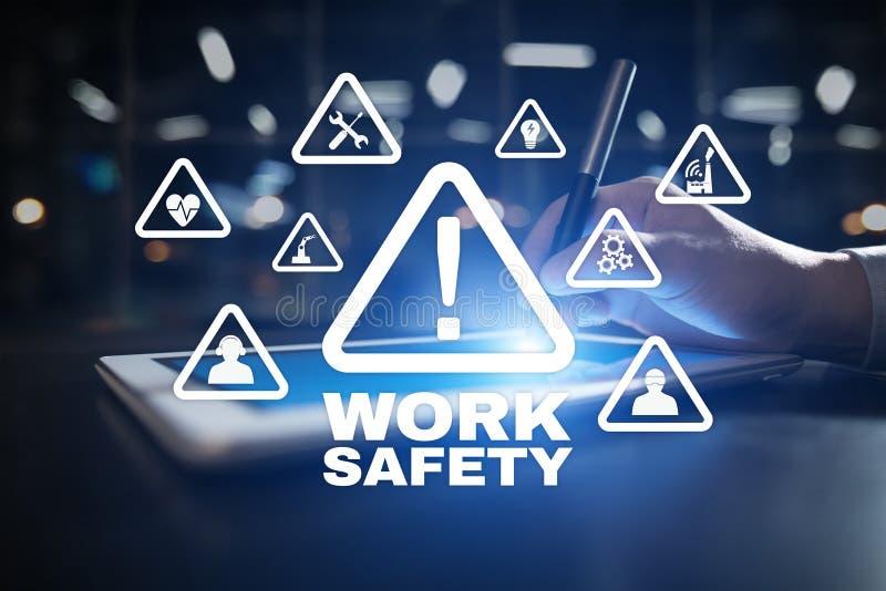 Concept de sécurité de travail sur l'écran virual photographie stock libre de droits
