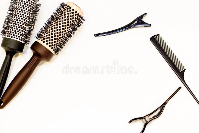 Concept de soins capillaires Épingles à cheveux et peignes Il y a un endroit pour le texte image stock