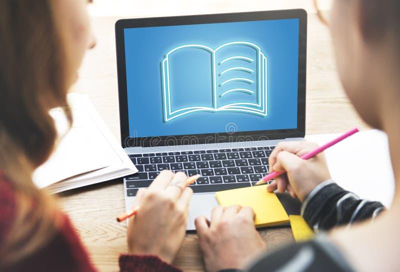 Concept de stratégie de planification en ligne de carnet d'université image stock
