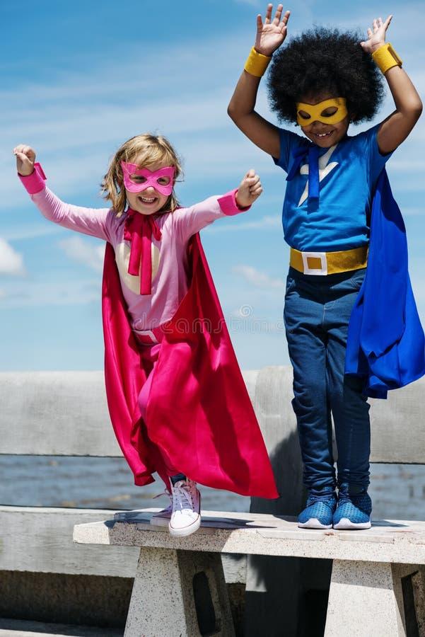 Concept de superhéros d'enfance d'enfants photo stock