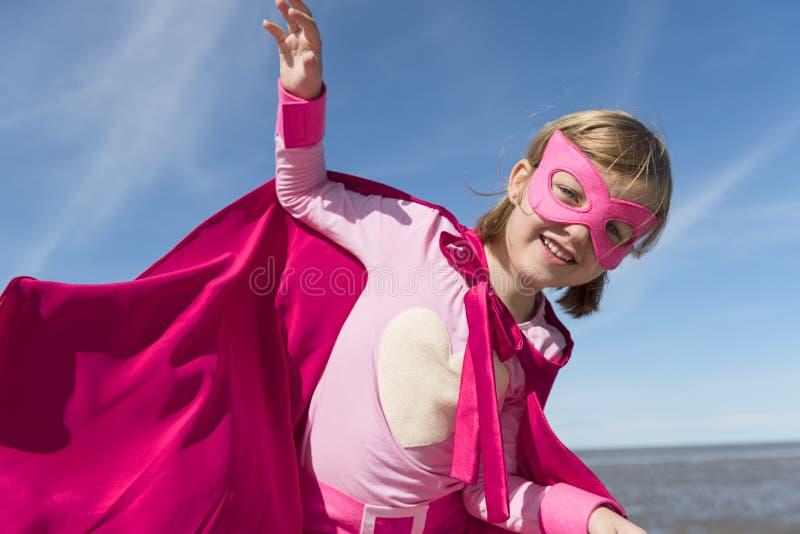 Concept de superhéros de petite fille photographie stock