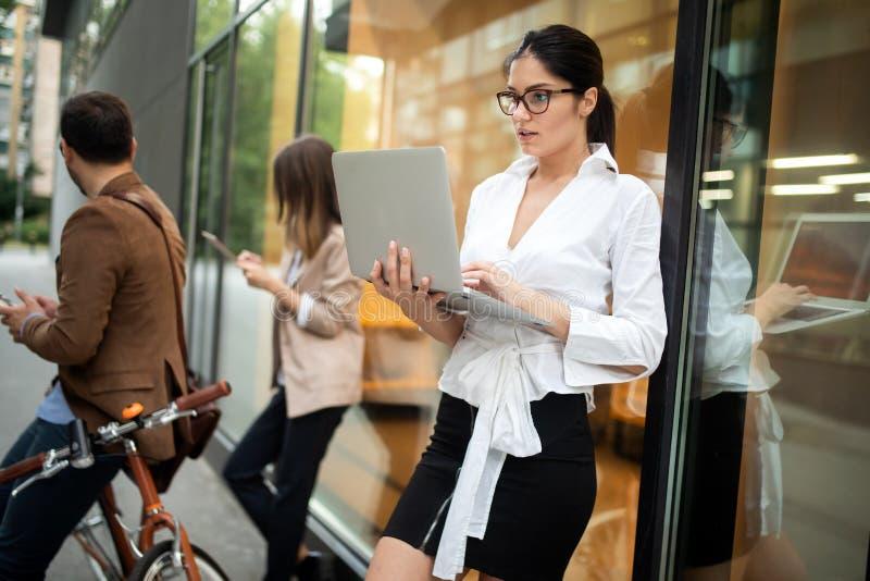 Concept de Team Digital Device Technology Connecting d'affaires image stock