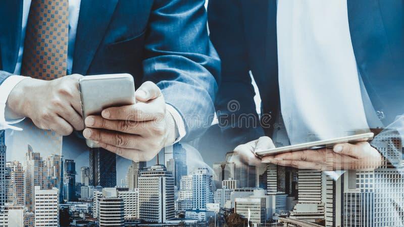 Concept de technologie de t?l?communications de t?l?phone portable images libres de droits