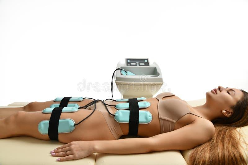 Concept de thérapie d'anti cellulites de perte de poids anti gros Massage pour l'ABS, les fesses et les jambes femelles dans le s image stock
