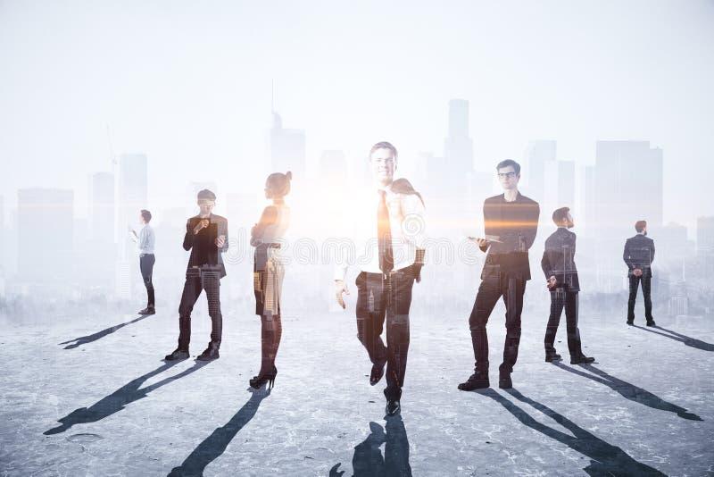 Concept de travail d'équipe, de réunion et d'avenir images stock