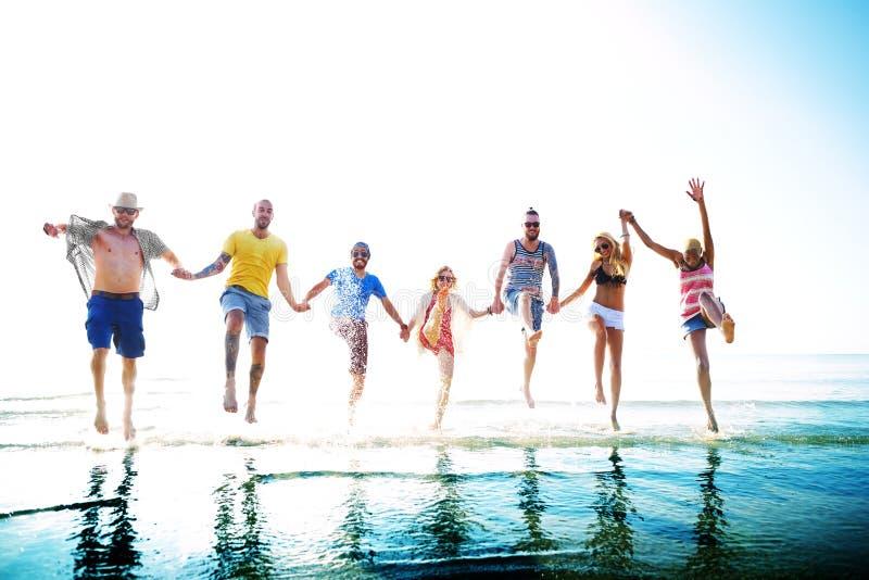 Concept de vacances d'été de plage de liberté d'amitié photos stock