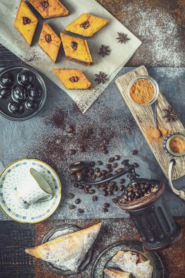 Concept de verticale orientale de dessert photographie stock libre de droits