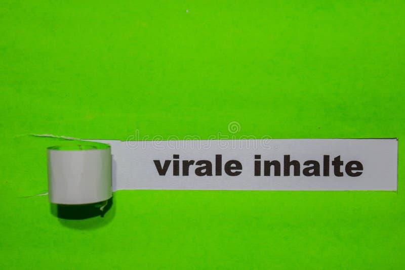 Concept de Virale Inhalte, d'inspiration et d'affaires sur le papier déchiré vert photos libres de droits