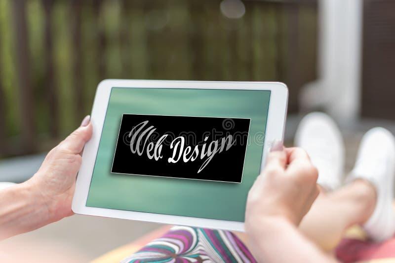 Concept de web design sur un comprim? image stock