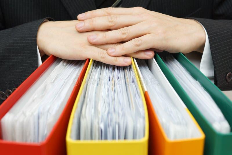 Concept des écritures, comptabilité, prise d'homme d'affaires d'administration image libre de droits