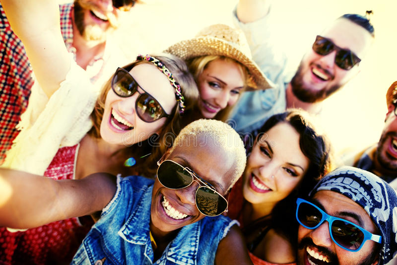 Concept divers de Selfie d'amusement d'amis d'été de plage de personnes photo stock