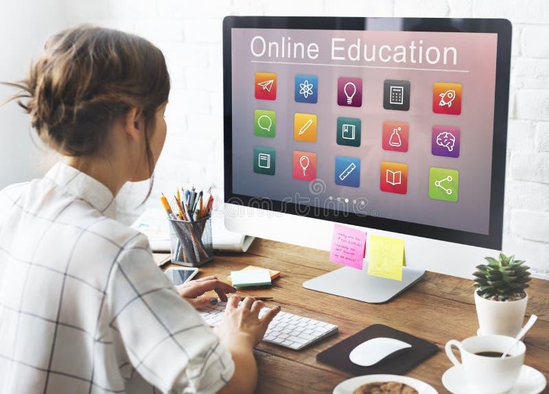Concept en ligne d'application d'éducation d'apprentissage en ligne images stock