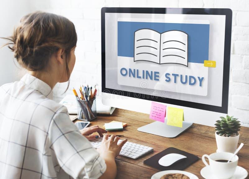 Concept en ligne d'idées de la connaissance d'étude de classe d'apprentissage en ligne images libres de droits