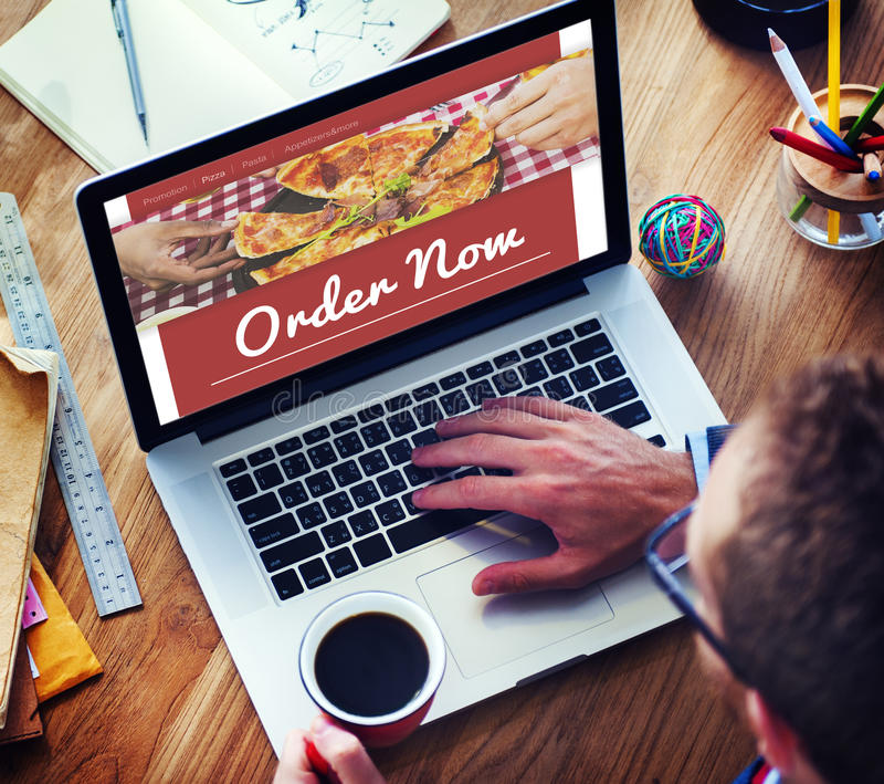 Concept en ligne d'Internet de pizza d'ordre de nourriture photographie stock libre de droits
