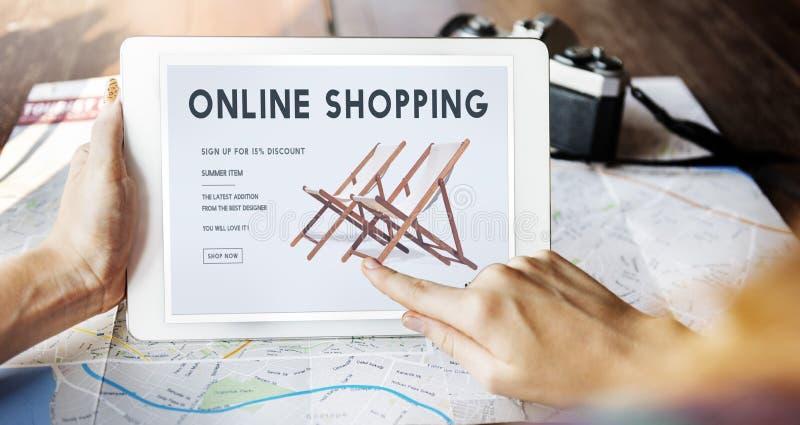 Concept en ligne de achat d'achats en ligne de commerce électronique de Shopaholics photos libres de droits