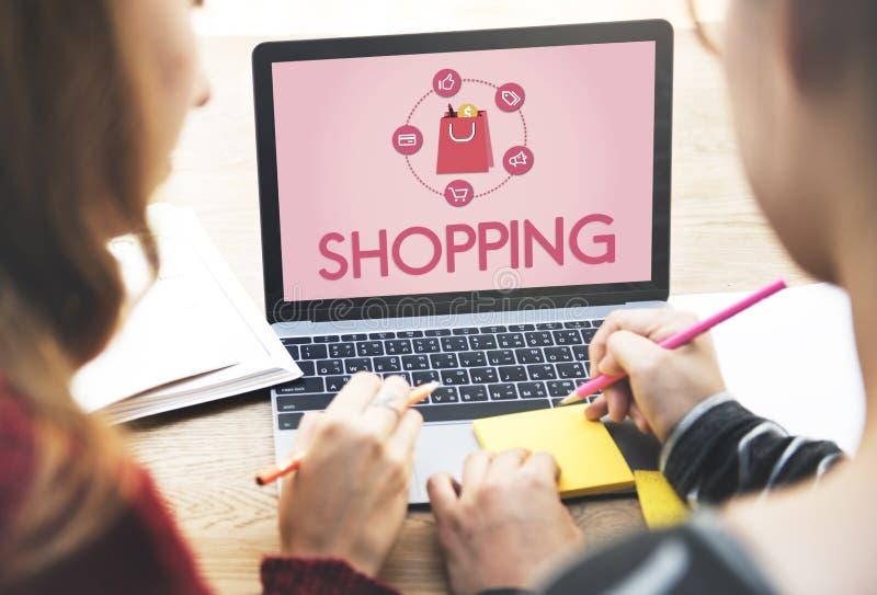Concept en ligne de achat d'achats en ligne de commerce électronique de Shopaholics image libre de droits