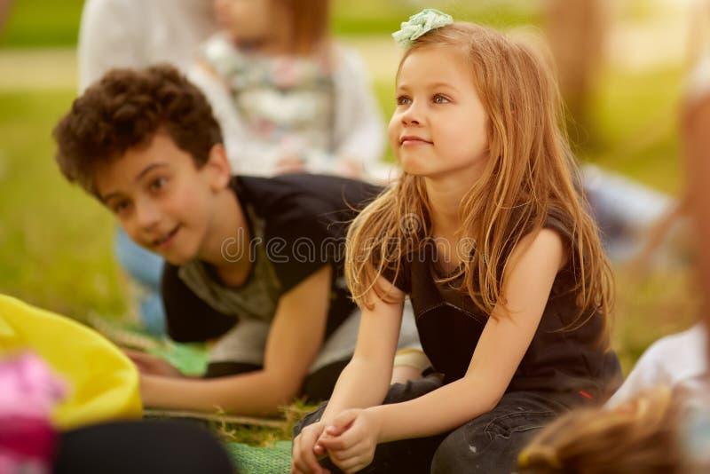 Concept espiègle à la mode d'enfants d'enfants de loisirs d'amitié image stock
