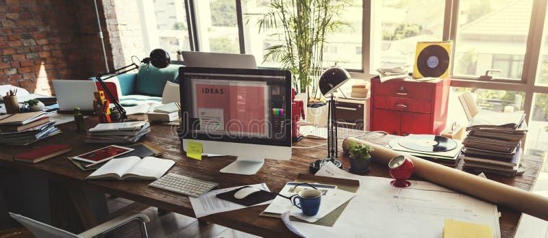 Concept fonctionnant de lieu de travail de succès de démarrage d'entreprise de bureau image stock