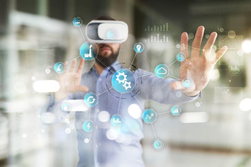 Concept futé d'industrie et d'automation Internet des choses IOT, concept de technologie images stock