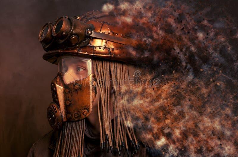 concept futuriste Courrier-apocalyptique Steampunk images stock