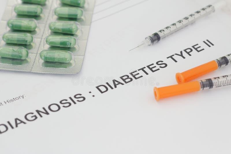 Concept gezondheidszorg en medisch met Type II van diagnosediabetes dat op een document wordt geschreven royalty-vrije stock afbeeldingen