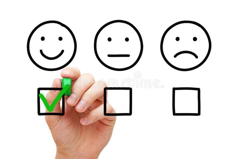 Concept heureux d'enquête de feedback de la clientèle photos stock
