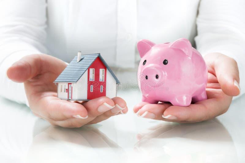 Concept hypotheek en besparingen stock afbeeldingen