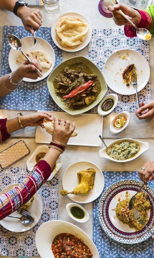 Concept indien de cari de Roti Naan de nourriture de repas d'appartenance ethnique photographie stock libre de droits