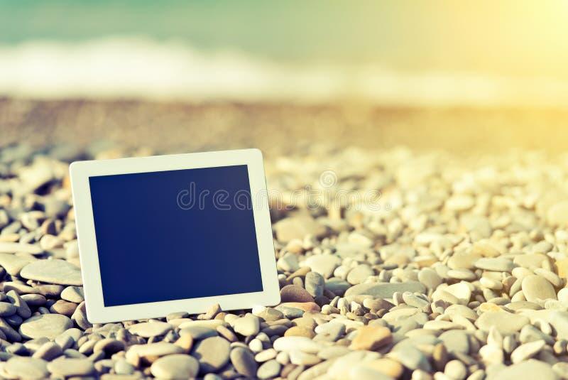 Concept Internet en mededeling. lege tabletcomputer  stock foto
