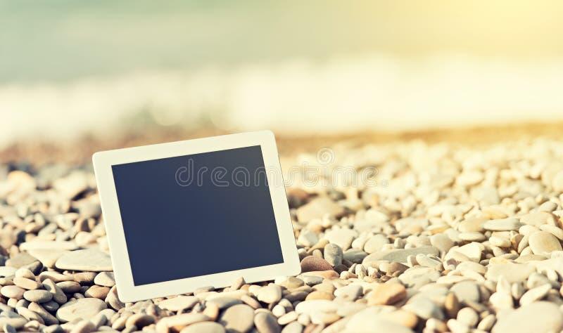 Concept Internet en mededeling. lege tabletcomputer  stock foto's