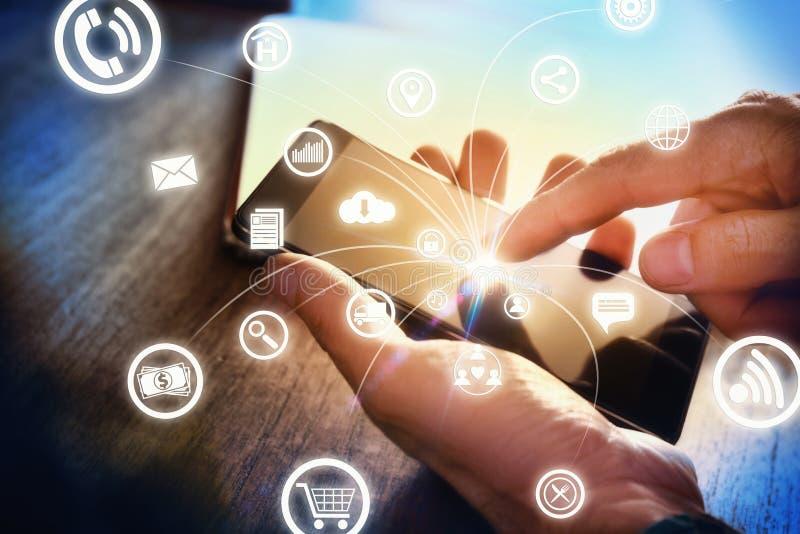 Concept mededeling in bedrijfsbureau met pictogrammenkant royalty-vrije stock afbeeldingen