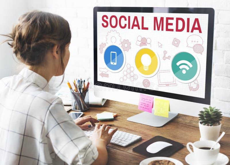 Concept mobile de Wifi d'ampoule de media social photo stock
