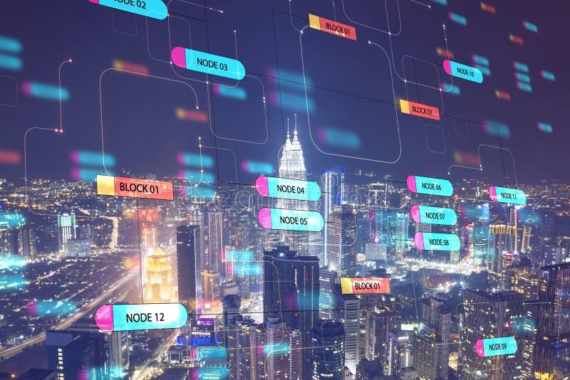 Concept mondial de technologie avec écran d'arbre numérique et mégapole de nuit images libres de droits