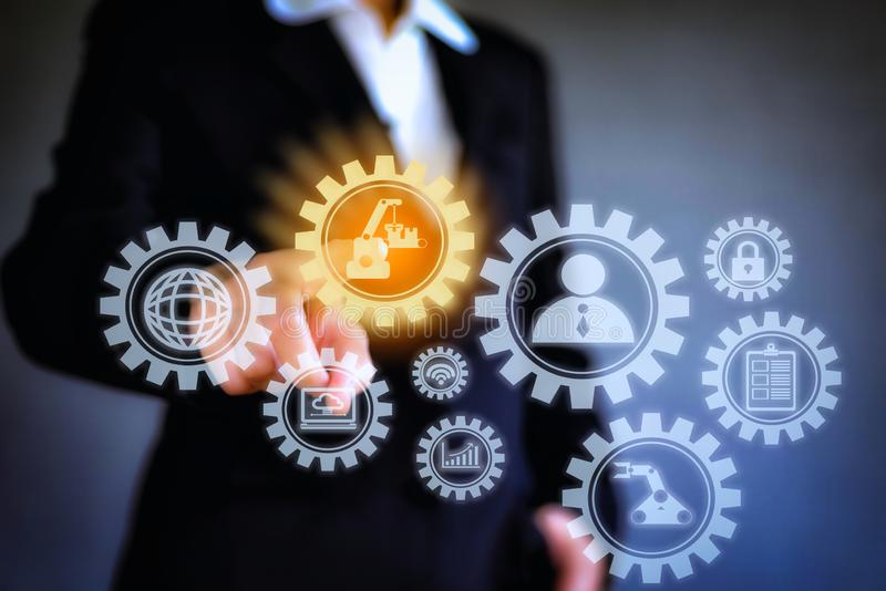 Concept numérique abstrait des affaires de blockchain de technologie Main d'affaires poussant avec la connexion de mise en réseau photographie stock