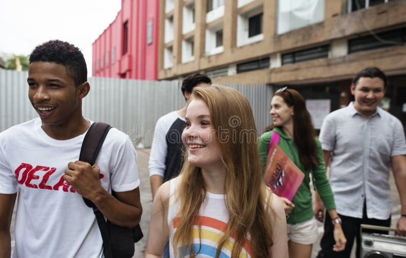Concept occasionnel de style de la jeunesse de culture de mode de vie d'adolescents images libres de droits