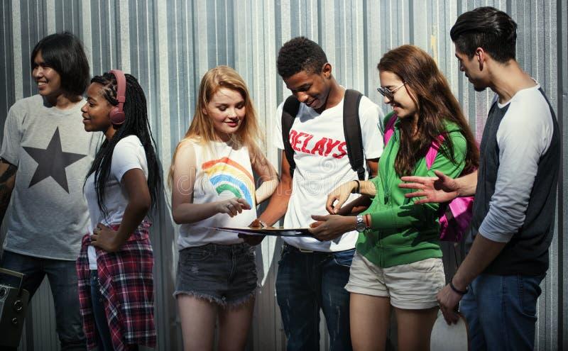 Concept occasionnel de style de la jeunesse de culture de mode de vie d'adolescents photographie stock libre de droits