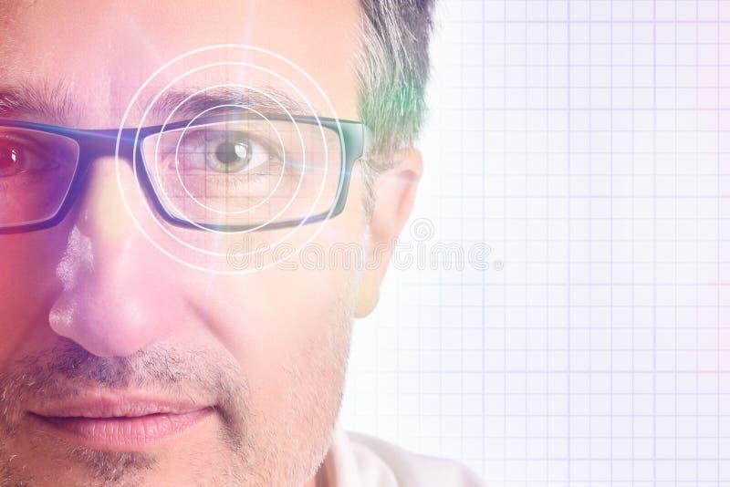 Concept optische correctievertegenwoordiging met glazen royalty-vrije stock afbeeldingen