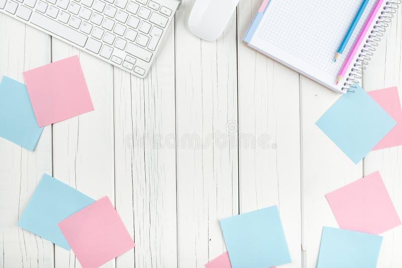 Download Concept Pour Des Affaires Et La Journalisation Image stock - Image du table, papier: 56490251