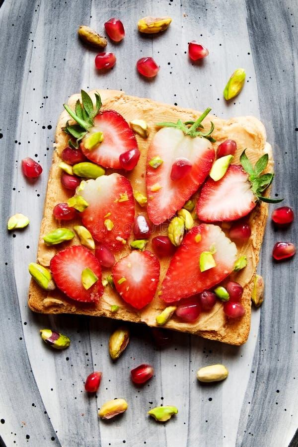 Concept propre de consommation Sandwich avec les ingr?dients organiques images libres de droits