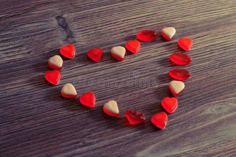 Concept romantique de valentine de jour de dame de femme de coeur de forme de vacances de sentiments de date Dessus au-dessus de  photos libres de droits