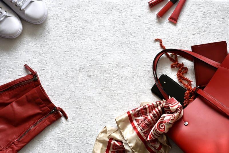 Concept rouge et blanc de mode de ressort avec l'espace de copie image stock