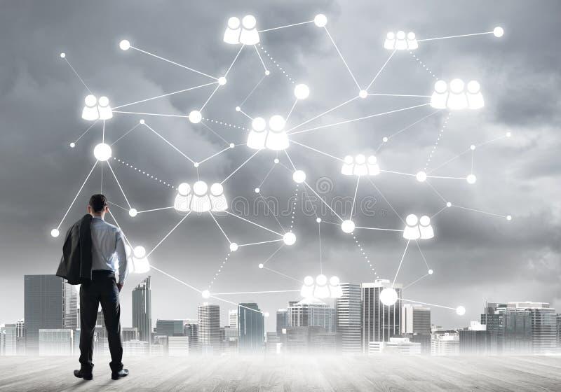 Concept social de connexion dessiné sur l'écran comme symbole pour le travail d'équipe et la coopération photos libres de droits