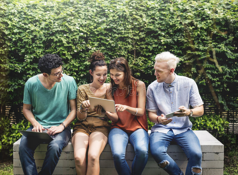 Concept social de jeunes adolescents de mode de vie d'amis photo libre de droits