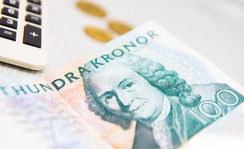 Concept suédois d'argent de calculatrice de devise de couronne photographie stock